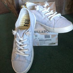 Billabong women's canvas shoes